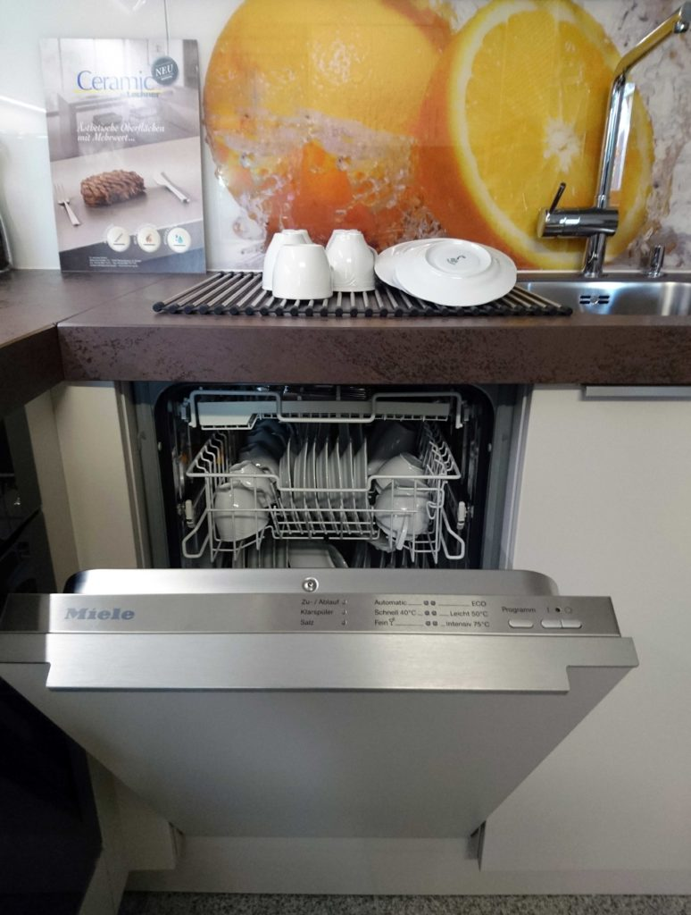 Nolte Küchen Matrix 150, Miele, Keramik, Arbeitsplatte, Geschirspülmaschine, Glasrückwand, Lechner